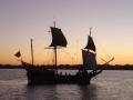 スワン川を遊覧する帆船
